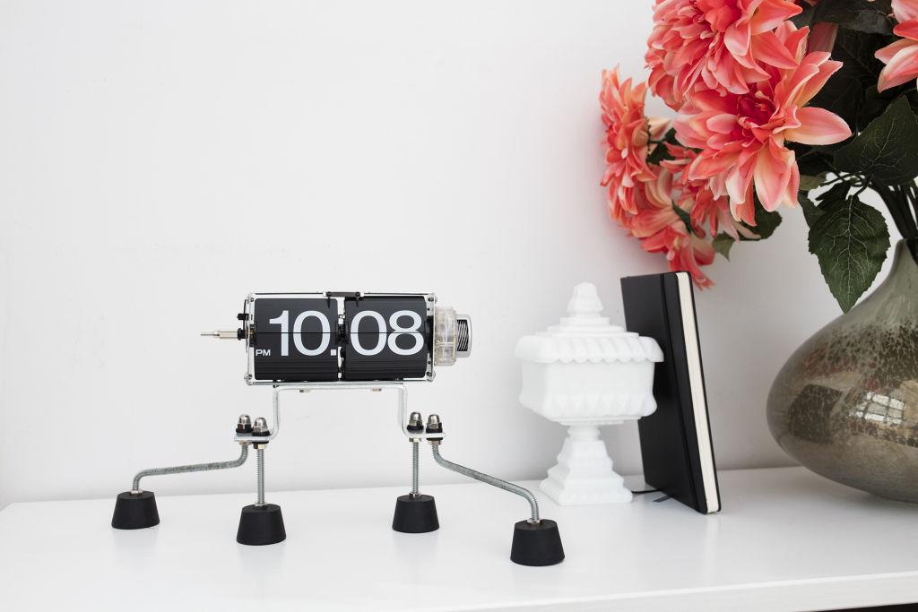 Flip Clock | alvaluz.com