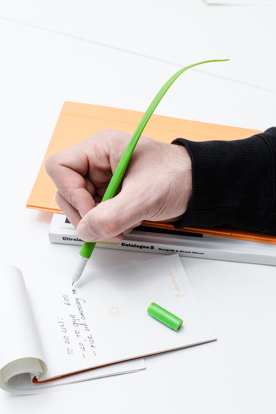 Grass pen - boligrafo de gel | alvaluz.com