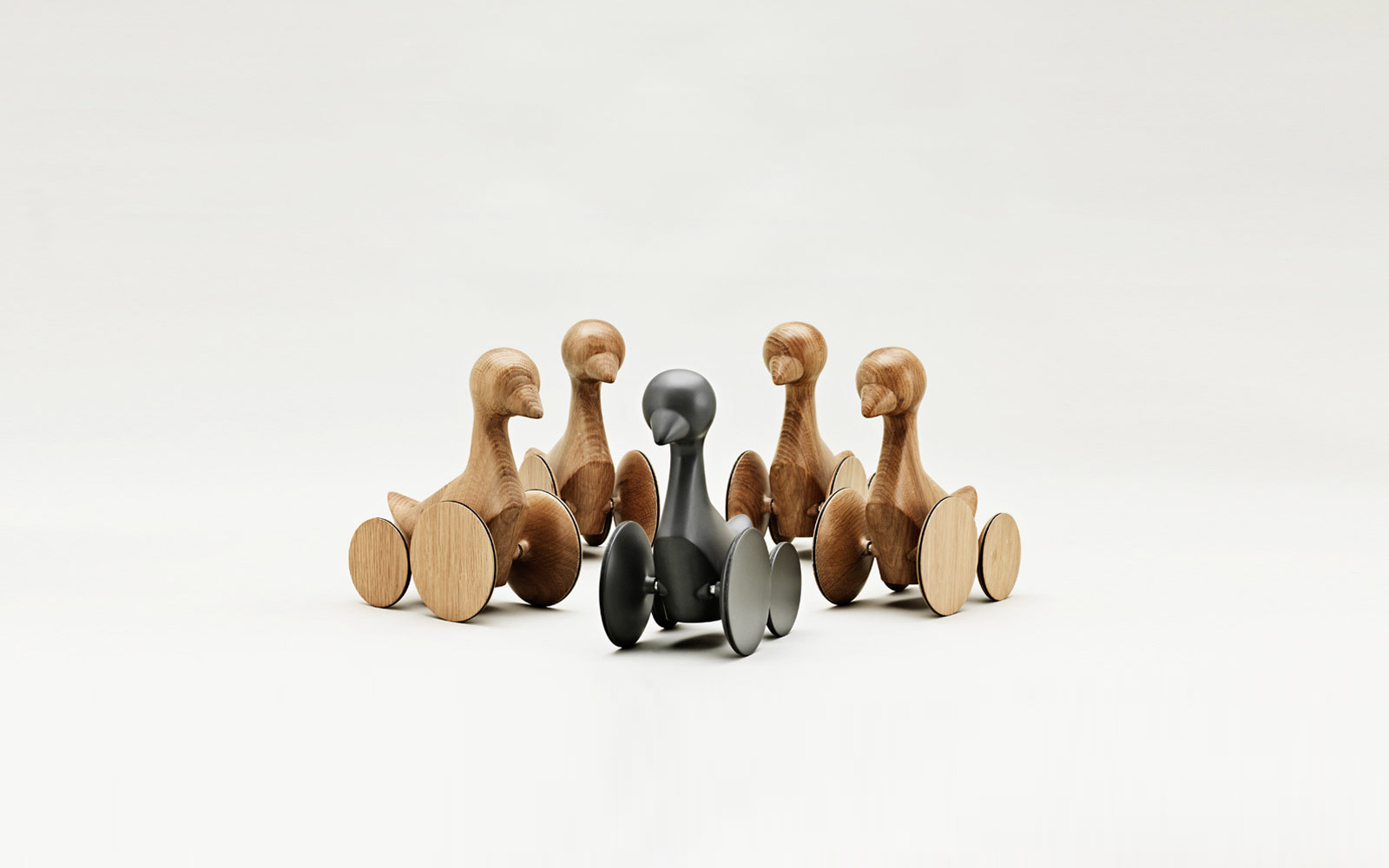 Ducky Wooden Figure | alvaluz.com