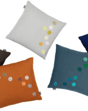 Dot pillows | alvaluz.com