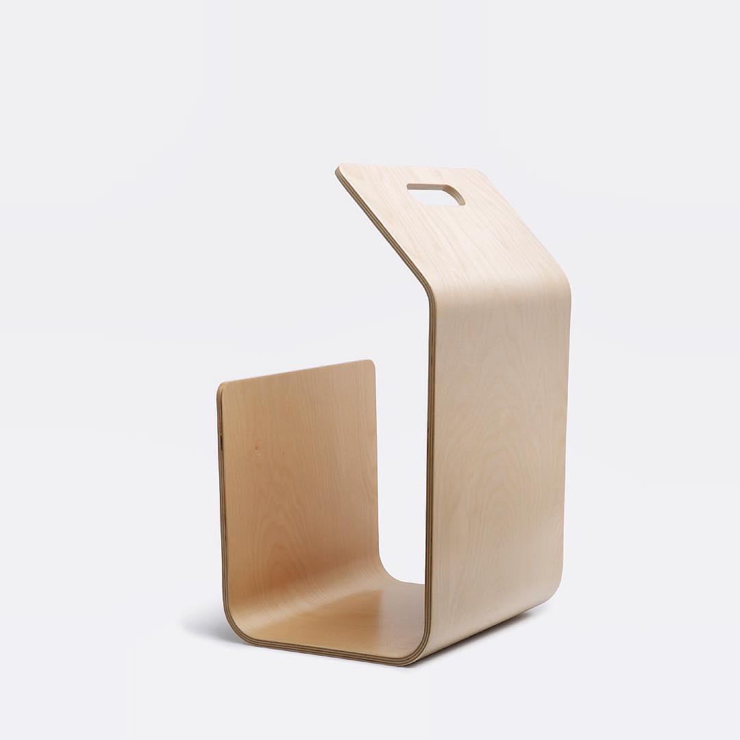 Kanto magazine / firewood rack | alvaluz.com