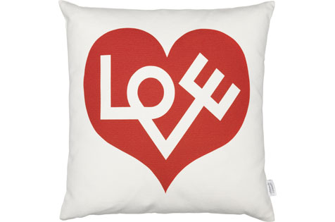 Graphic Print Pillows - Love | alvaluz.com
